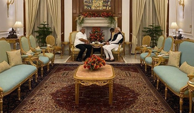 One hour discussion between President and Modi