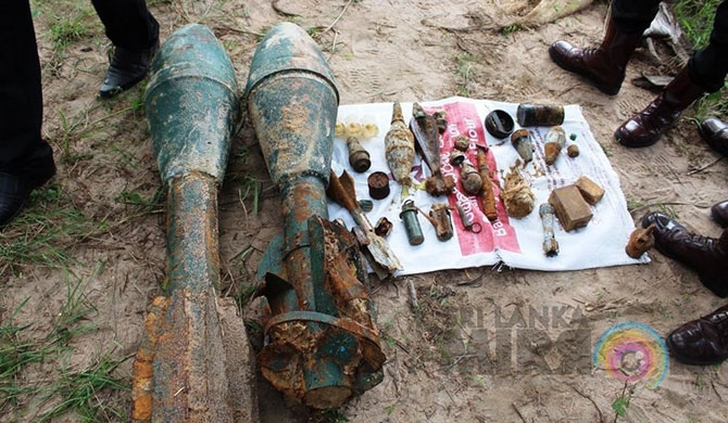 Explosives found from well in Pudukuduirippu (Pics)