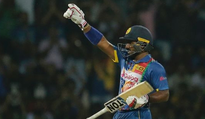 Kusal Perera's assault helps SL hunt down 175