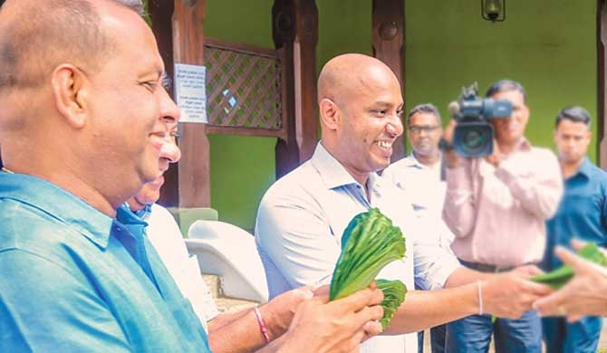 Amaraweera-Duminda group to announce decision today