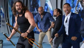 'Aquaman' performs haka at premiere (Video)