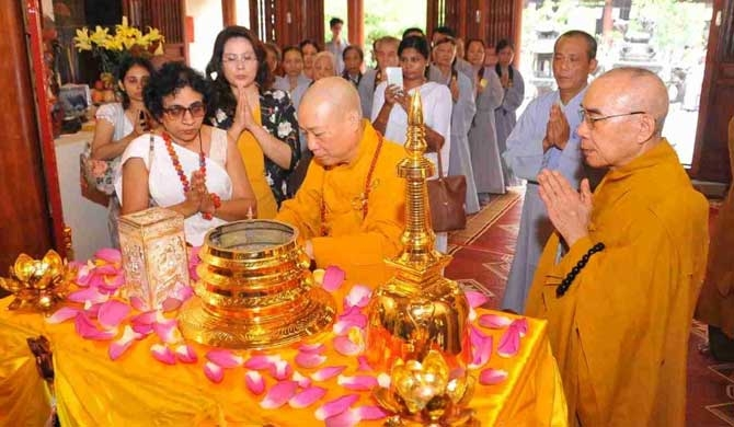 Ceremony to enshrine Sacred Relics of Lord Buddha in Ha Noi