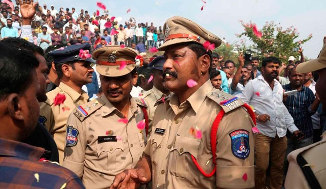 Indian police shoot dead 4 men suspected of Hyderabad rape