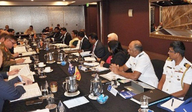 Australia and Sri Lanka discuss combating human smuggling