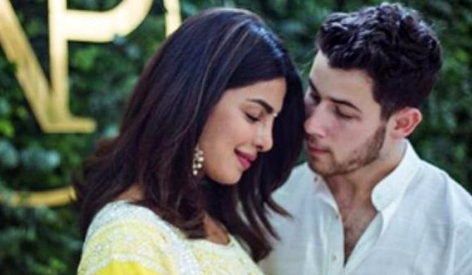 Priyanka Chopra engaged (Pics)