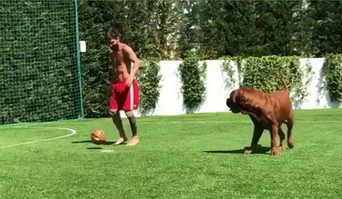 Messi's new practice partner (Video)