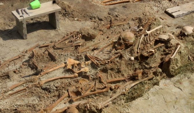 Piled up skeletons found in Mannar mass grave! (pics)
