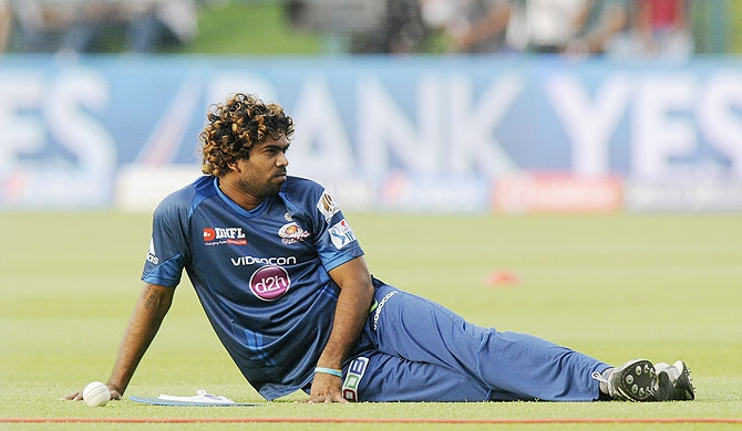 Why is Malinga being overlooked by Labrooy?