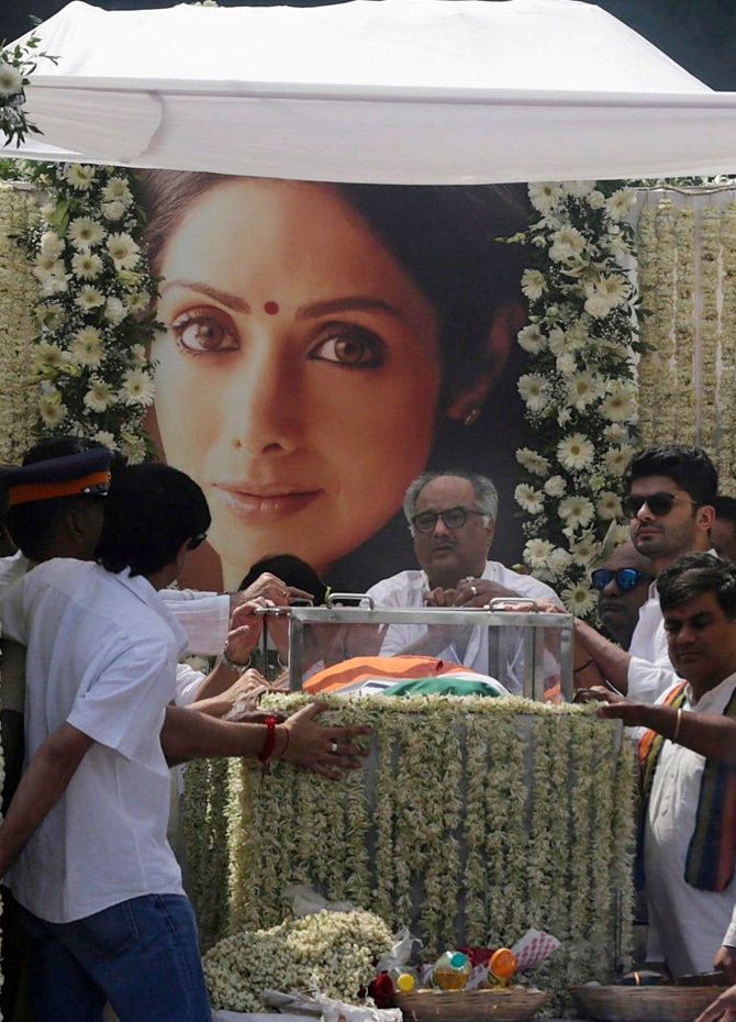 Sridevi embarks on her final journey (Pics)