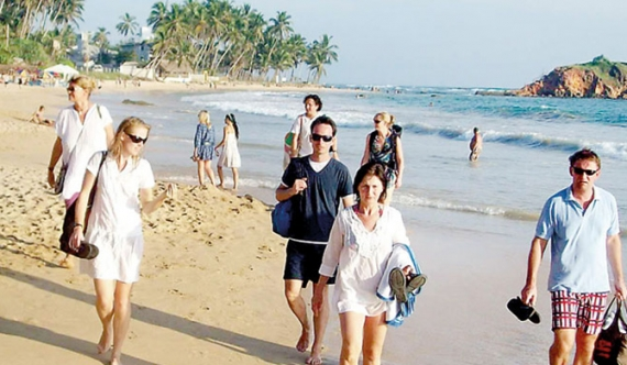Tourism industry threatened by 'beach boy mafia'