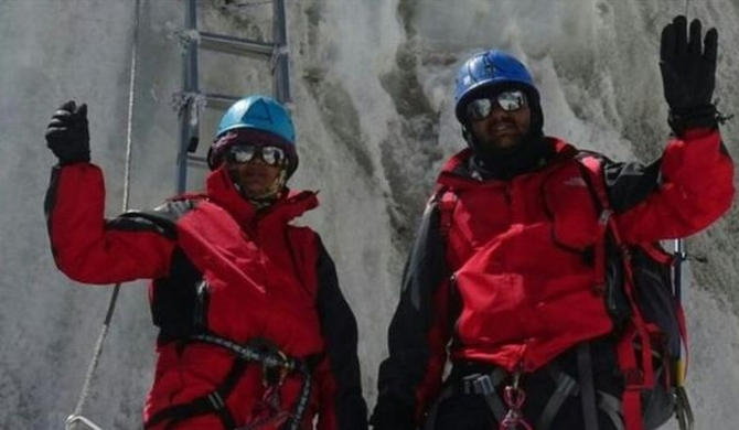 India police pair sacked over faked Everest climb