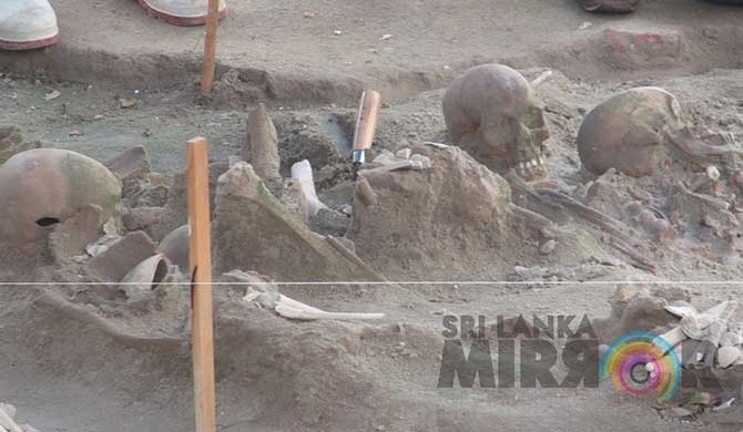 Bound skeletal parts found from Mannar mass grave (pics)