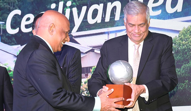 Paani Dias, CEO of Ceciliyan Associates Pvt Ltd receives the award from Hon Ranil Wickremesinghe MP, Prime Minister of Sri Lanka.