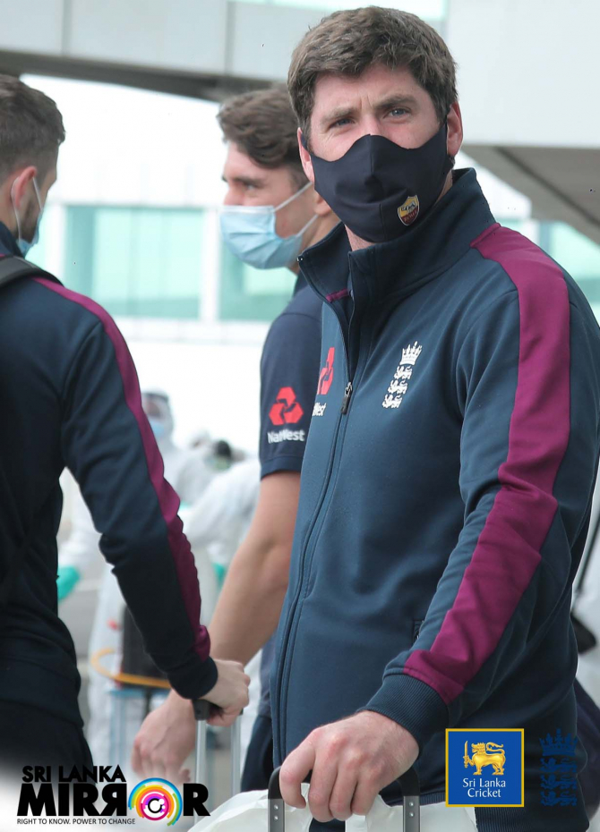 England cricket team arrives in SL (Pics)