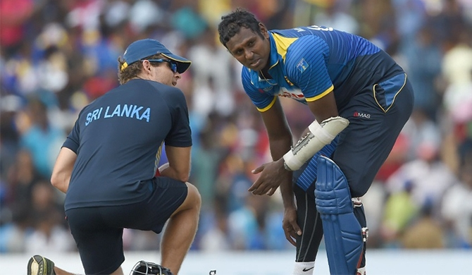 Injured Mathews to be left out for a month