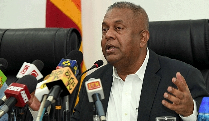 Mangala condemns attack on Rohingya refugees