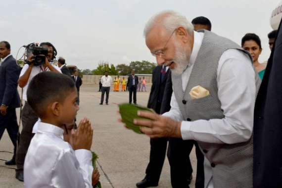 Indian PM arrives (pics)